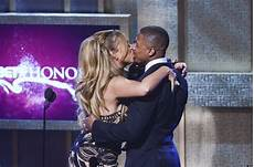 awkward kisses the most uncomfortable celeb smooches of