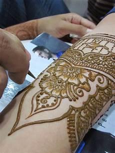 Gambar 10 Gambar Tatto Tulisan Keren Lengan Wanita Pria 4