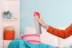 schlafzimmer geruch beseitigen 9 tricks um schlechten geruch im schlafzimmer zu vermeiden