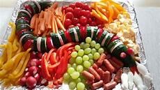 Kindergeburtstag Essen Fingerfood - gurkenschlange kinderparty essen