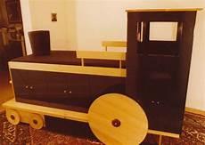 locomotive bed tucker design