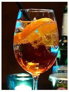 bicchieri aperol spritz aperol spritz