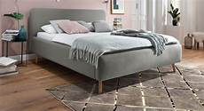 Bett Skandinavischer Stil - preiswertes polsterbett mit skandinavischem charme carballo