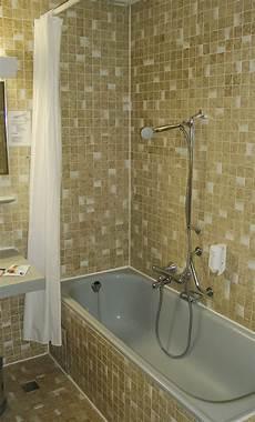 fliesenersatz im bad fliesen beschichten ist besser als kleinkariertes beige im bad