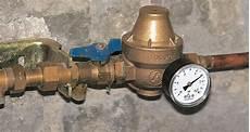 reducteur de pression avec manometre poser un r 233 ducteur de pression d eau sur une canalisation