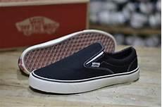 Nike Slop Cowok Sepatu jual sepatu vans slip on sepatu kets sepatu casual