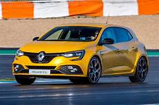 New Renault Megane Rs 300 Trophy 2018 Review Auto Express