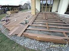 So Baust Du Eine Holzterrasse Schritt F 252 R Schritt Erkl 228 Rt