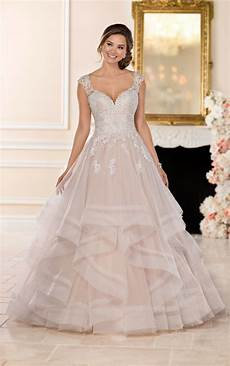 Horsehair Skirt Wedding Dress wedding dresses princess ballgown with horsehair skirt