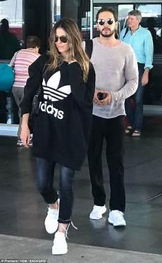 heidi klum tom kaulitz mexico heidi klum kisses new boyfriend as they arrive in mexico