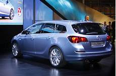 opel astra j sports tourer 2016 opel astra j sports tourer pictures information