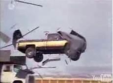 l homme qui tombe à pic voiture vid 233 o l homme qui tombe 224 pic ou l du saut en up