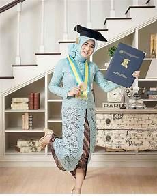 30 Model Kebaya Wisuda Muslim Modern Terbaru 2019