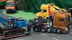 lkw rc modelle rc trucks bagger lkw baustelle raupe modellbau messe
