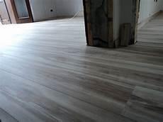 pavimenti laminati pvc foto posa alloc pavimento flottante laminato di mcf