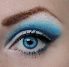3 best eyeshadow colors for blue by hailey musely
