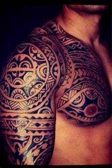 tatouage homme wallisien