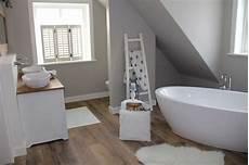 Badewanne Im Wohnzimmer - duschtrasse fliesen badfliesen duschglasw 228 nde