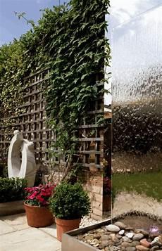 brise vue mural la d 233 co ext 233 rieure avec une fontaine murale archzine fr