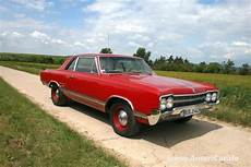 wolf im schafspelz auto wolf im schafspelz car power im 1965er oldsmobile cutlass 4 4 2 auto des monats