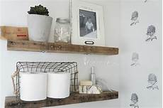 Badezimmer Regal Holz - diy rustic bathroom shelves seeking lavendar
