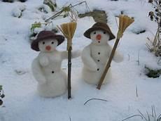 malvorlage schneemann und schneefrau jahreszeitentisch herbst winter edda puppen und filz