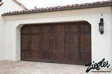 Garage Spanisch by 32 Best Style Garage Doors Images Wood Garage