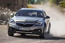 Opel Insignia Kombi 2009 2017 Tests Und Alle Motoren