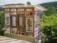 gewächshaus aus alten fenstern gartenhaus gew 228 chshaus aus alten fenstern bauanleitung zum selberbauen 1 2 do deine
