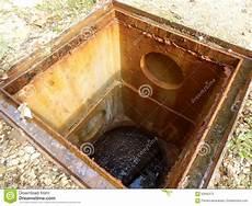préfiltre fosse septique trappe d inspection de fosse septique image stock image