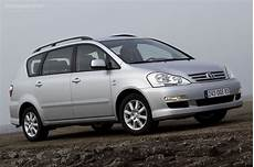 Toyota Avensis Verso 2003 2004 2005 2006
