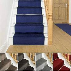 teppich treppe extra lang grau blau rot braune treppe treppe l 228 ufer