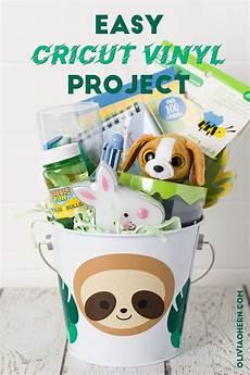 Sloth Easter Basket Ideas Everyday Savvy Easy Sloth Cricut Vinyl Decal In 2020 Vinyl Easter