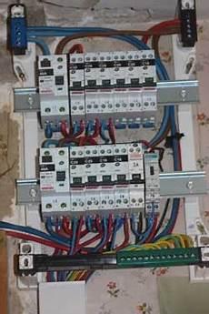 refaire electricité comment r 233 nover 233 lectricit 233 on r 233 nove la baraque