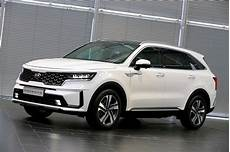 kia sorento 2021 new 2021 kia sorento shows off more details sharper edge