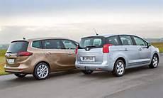 Opel Zafira Tourer Vs Peugeot 5008 Vergleich Bilder Und