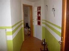 Welche Wände Streicht Farbig - flur mit farbe gestalten