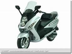 Oscaro Moto 125 Gps Pour Scooter 125 Specialiste Du Materiel Pour Motard