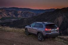 2019 jeep 2 0 turbo mpg 2019 jeep reviews and rating motor trend