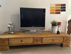 fernsehtisch aus paletten palettenm 246 bel europalette tv lowboard tv schrank mit 2