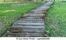 chemin bois jardin bois chemin jardin bois pelouse vert chemin