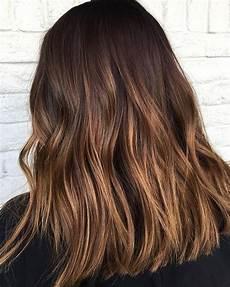 couleur caramel cheveux brun 7 couleurs de cheveux tendance au printemps 2018