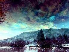 Gambar Pemandangan Alam Hutan Awan Langit Sinar