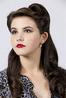 retro hairstyle for long hair best 25 vintage long hair ideas on pinterest vintage hairstyles for long hair long wedding