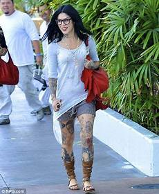 kat von d spotted wearing engagement ring again after