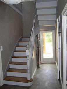 peindre un escalier en blanc peindre escalier en bois recherche peinture