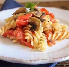 funghi chiodini come si cucinano spaghetti ai funghi prataioli la ricetta di buonissimo ricetta