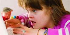 jangan ucapkan kata kata ini kepada orangtua yang memiliki anak autisme radio suara wajar 96 8 fm