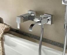 rubinetteria vasca da bagno montare il rubinetto della vasca da bagno