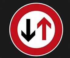 Vorschriftzeichen Und Ihre Bedeutung Laut Stvo